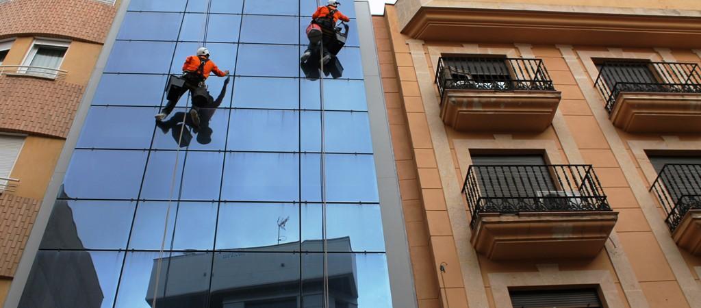 Limpieza de cristales en Albacete.